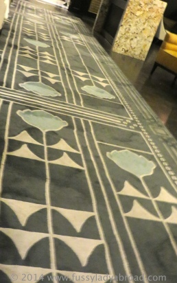 art deco carpet column bar
